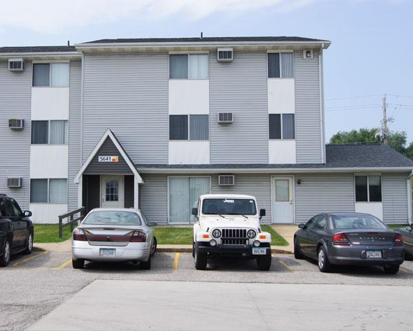 Kirkwood Court Apartment