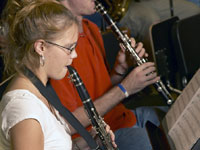 girl_playing_clarinet